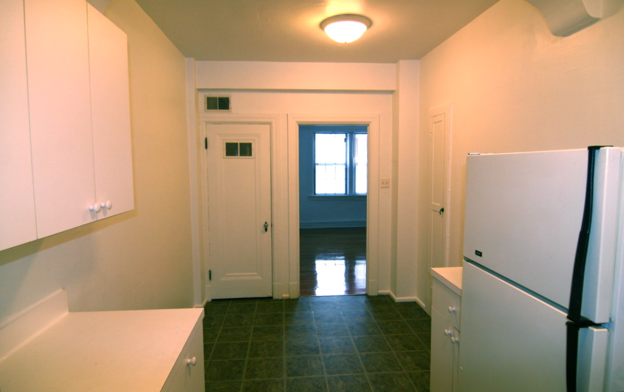 Barron Realty 6216 20 Northwood Ave 1 Bed